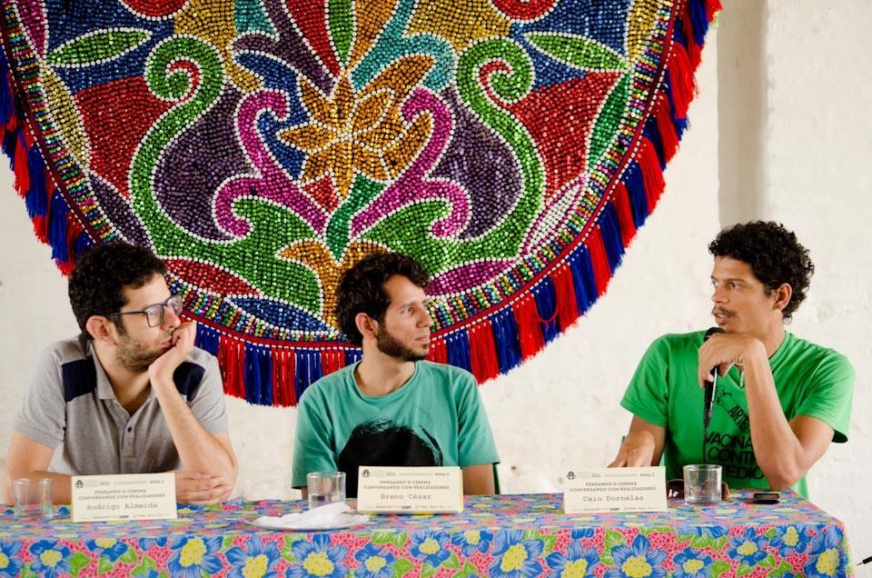 Rodrigo Almeida, Breno César e Caio Dornelas falam sobre produção. Foto: Ernesto Rodrigues
